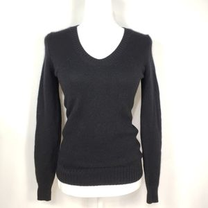 Uniqlo 100% Cashmere V-neck Sweater in Black
